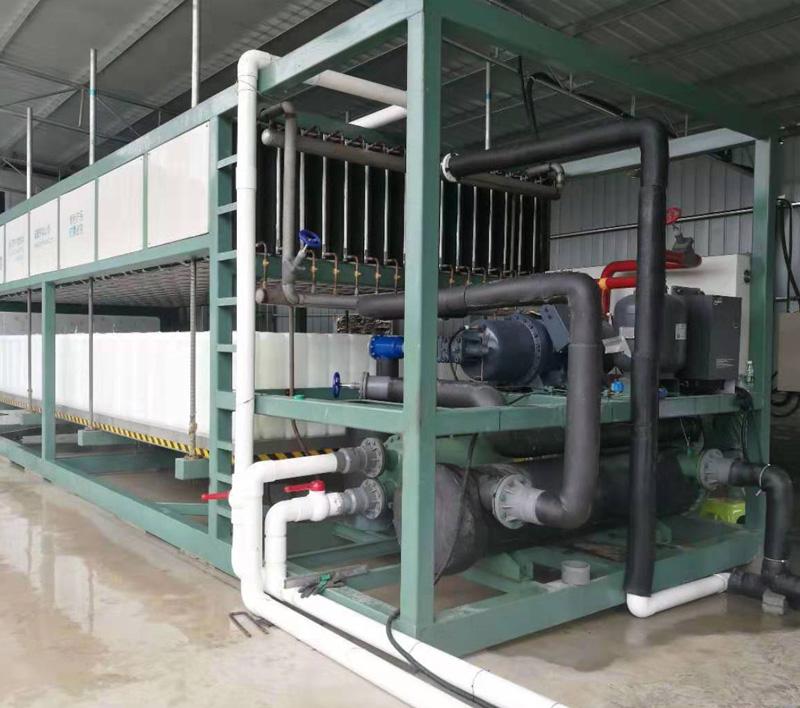 <b>中型冰砖机制冷机组,日产20-40吨</b>
