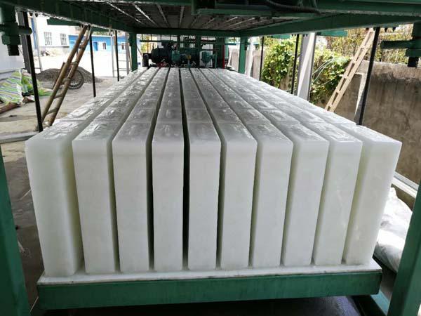 <b>5T50KG直冷式块冰机</b>